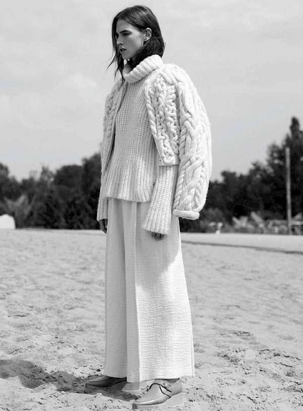 White knit suit b&w fashion photography timeless inspo textures body timeless kate moss lindbergh newton avedon demarchelier meisel Alaia Chanel