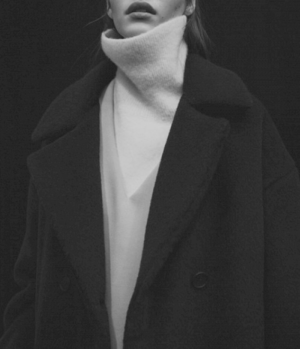 Coated turtle neck b&w fashion photography timeless inspo textures body timeless kate moss lindbergh newton avedon demarchelier meisel Alaia Chanel