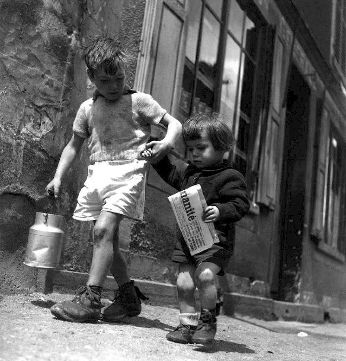 Kids on the street Doisneau b&w fashion photography timeless Vogue inspo textures body timeless moss bruce weber lindbergh newton avedon demarchelier meisel Alaia Chanel vintage