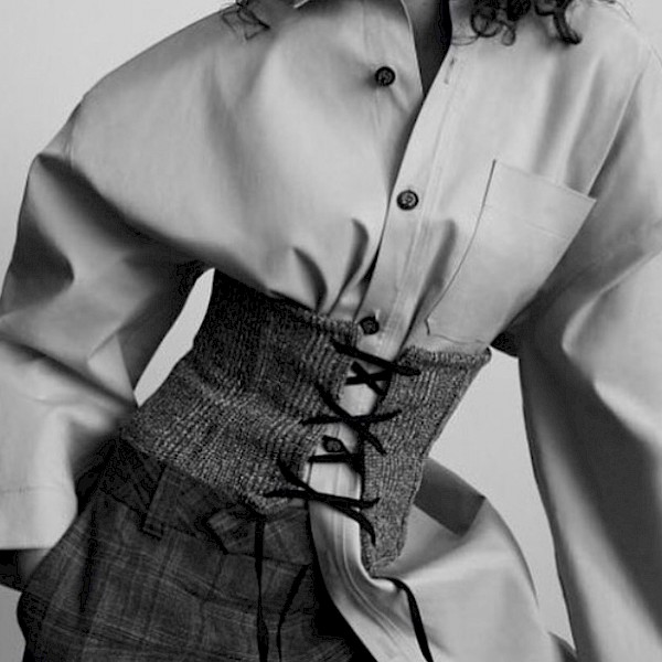 Celine acne off white Jacquemus centenera Blogger b&w fashion photography timeless Vogue inspo textures body timeless moss bruce weber lindbergh newton avedon demarchelier meisel doisneau Alaia Chanel YSL vintage
