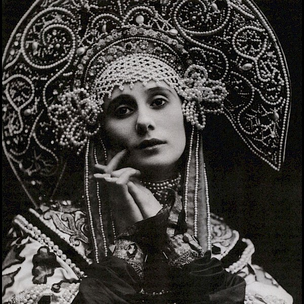 Anna Pavlova Prima Russian icon ballerina 20th century b&w fashion photography timeless Vogue inspo textures body timeless moss bruce weber lindbergh newton avedon demarchelier meisel doisneau Alaia Chanel YSL vintage